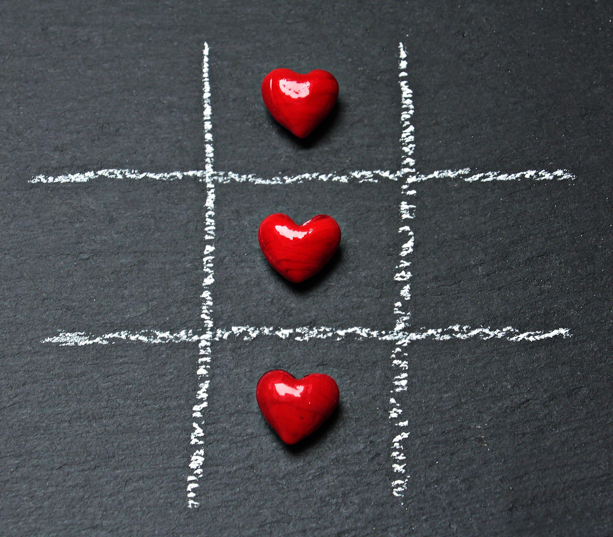 love heart tic tak toe